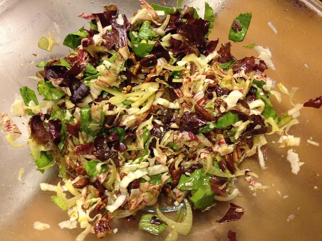 Fennel, Radicchio & Romaine Winter Salad with Pecans   Grabbing the Gusto