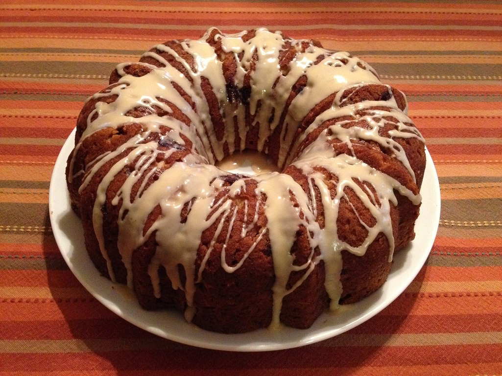 Holiday Bundt Cake | Grabbing the Gusto