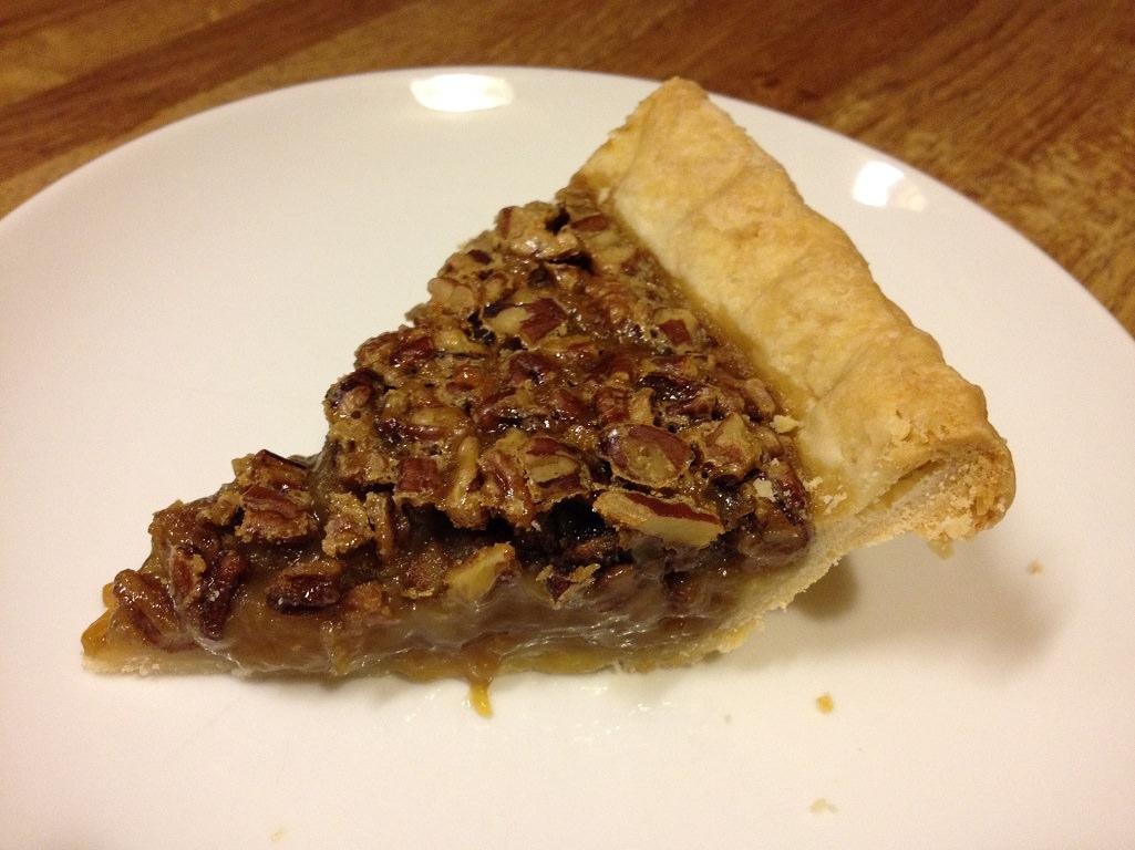 Maple Pecan Pie | Grabbing the Gusto