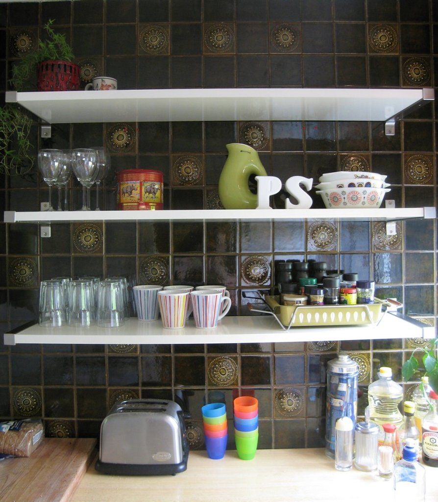 Small Space Gusto: Not Enough Kitchen Counter Space| Grabbing the Gusto