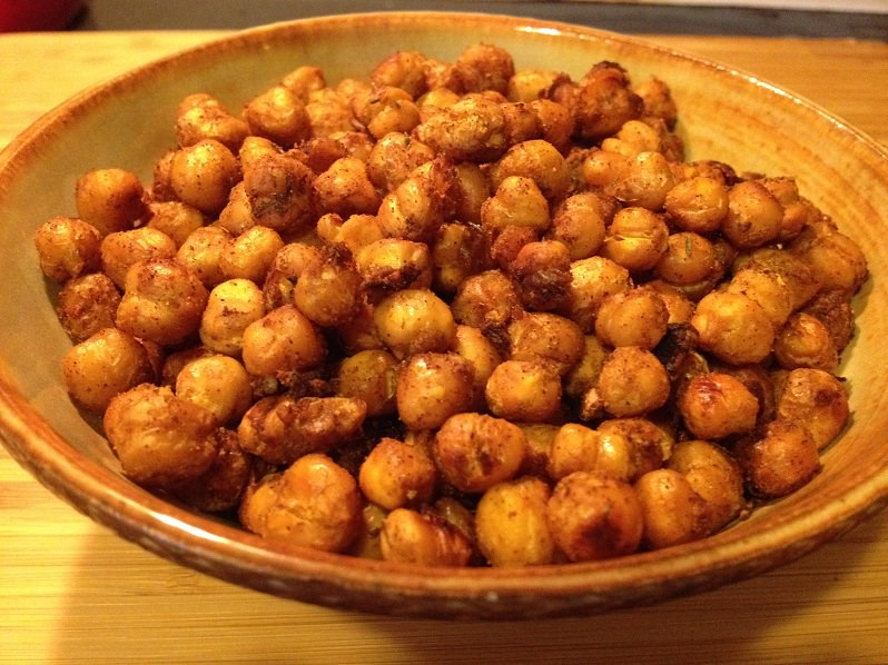 Roasted Spicy Smoky Chickpeas recipe | Grabbing the Gusto