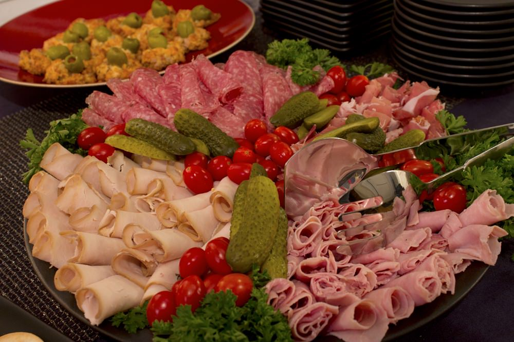 deli meat tray
