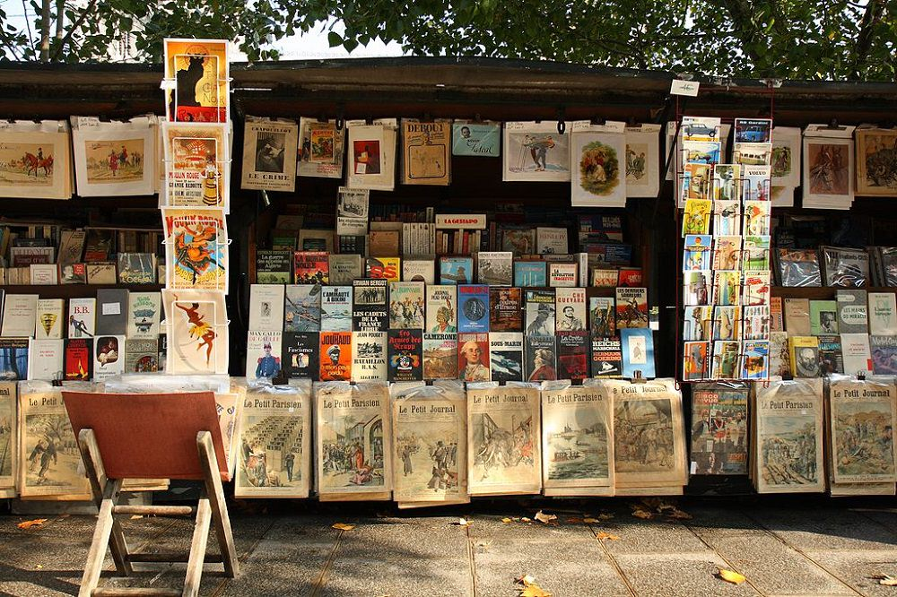 ebooks on sale - second-hand book seller in Paris